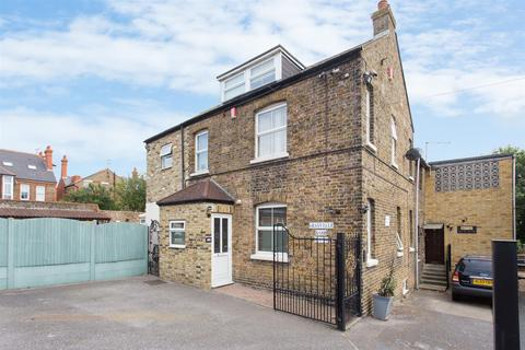 3 bedroom semi-detached house for sale - Thanet Road, Ramsgate