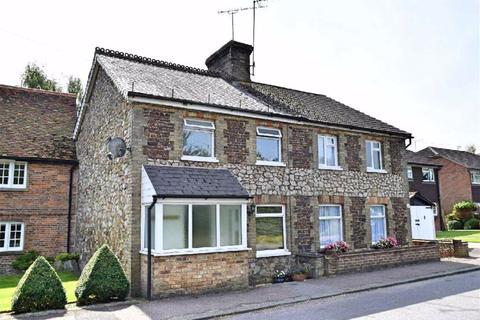 3 bedroom semi-detached house for sale - West End, Kemsing, TN15