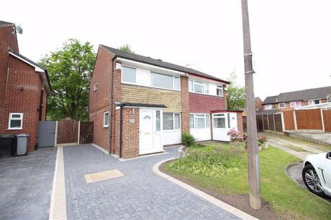 3 bedroom semi-detached house to rent - St Andrews Close, Sale, Cheshire