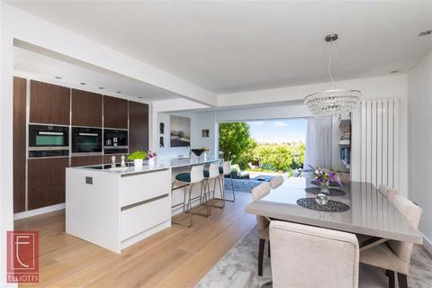 4 bedroom semi-detached house for sale - Elizabeth Avenue, Hove, East Sussex