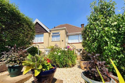 2 bedroom detached bungalow for sale - Waun Road, Loughor, Swansea