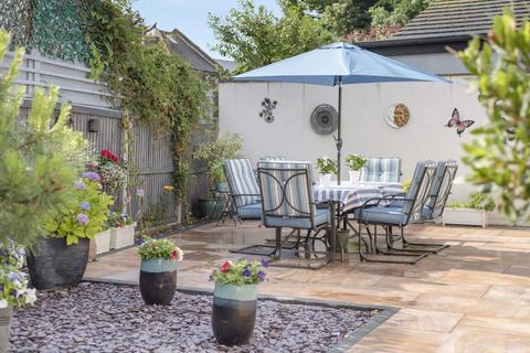 3 bedroom detached bungalow for sale - Park Aveune, Broadstairs