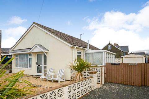 2 bedroom bungalow for sale - Maes Yr Heli, Tywyn, Gwynedd, LL36