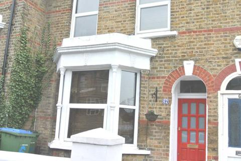 3 bedroom terraced house to rent - Lakedale Road, Plumstead, SE18 1PS
