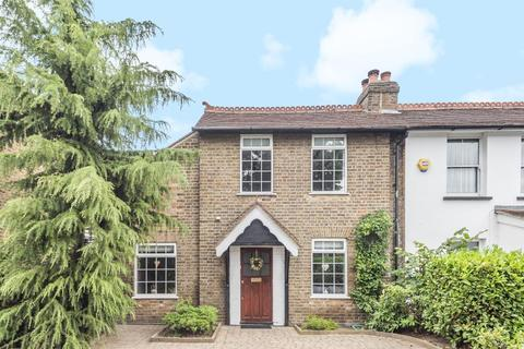2 bedroom cottage for sale - Feltham,  Middlesex,  TW14
