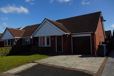 2 bedroom bungalow to rent - Rathmell Close, Culcheth, Warrington, WA3 4DU