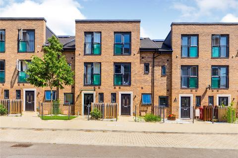 3 bedroom townhouse to rent - Spey Road, Tilehurst, Reading, Berkshire, RG30