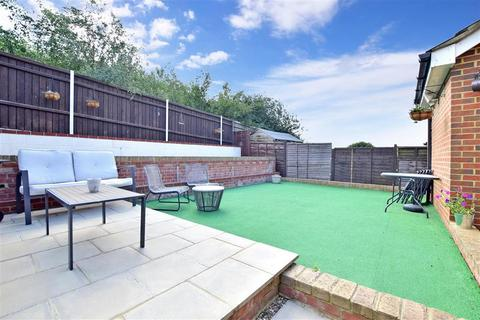 3 bedroom semi-detached house for sale - Recreation Way, Kemsley, Sittingbourne, Kent