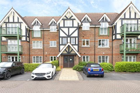 3 bedroom apartment for sale - Eastbury Avenue, Northwood, Middlesex, HA6