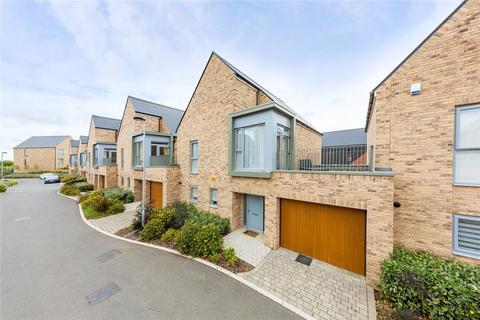 3 bedroom link detached house for sale - Edward Harvey Link, Springfield, Chelmsford, Essex, CM1