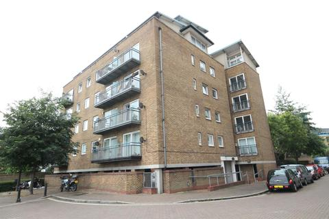2 bedroom flat to rent - Boat Lifter Way, Rushcutters Court, London, SE16 7WJ