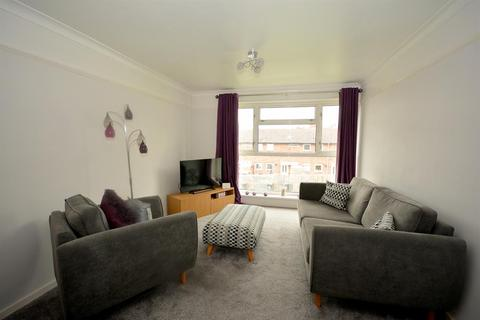 2 bedroom flat - Campbell Court, Church Walk, New Whittington, Chesterfield, S43 2AT
