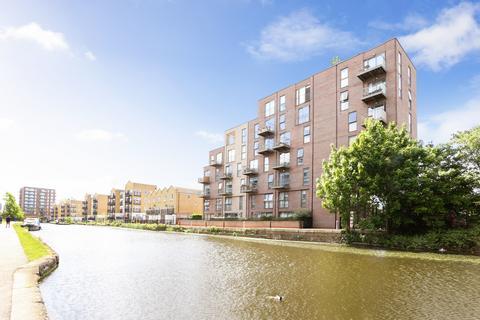 3 bedroom flat to rent - Ravenscroft Court, E1