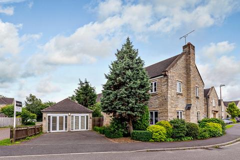 4 bedroom detached house for sale - Staunton Close, Chesterfield