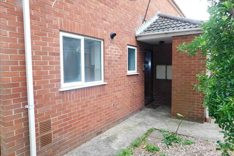 1 bedroom apartment for sale - ASHBOURNE COURT, SCUNTHORPE