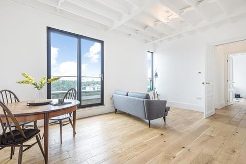 2 bedroom flat for sale - Stanley Gardens, Acton