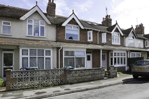 3 bedroom terraced house to rent - Off Abingdon Road, Oxford