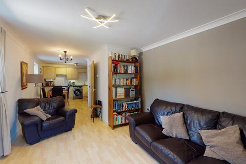 2 bedroom ground floor flat for sale - Outskirts of Cheltenham