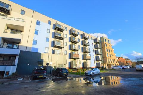 3 bedroom apartment for sale - Salisbury Road, Southall