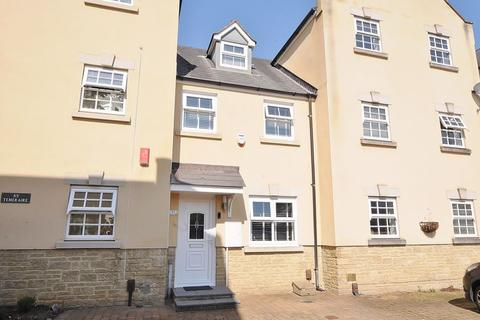 2 bedroom terraced house for sale - Temeraire Road, Plymouth. Beautifully Presented Property in Manadon Park.