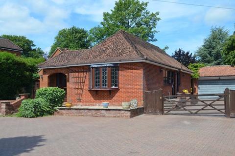 3 bedroom bungalow for sale - Buckskin Lane