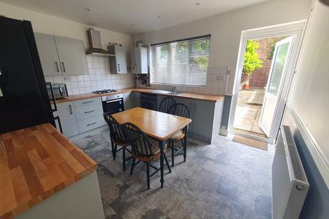 3 bedroom terraced house to rent - Liverpool Road, Luton