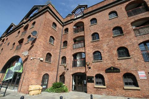1 bedroom apartment for sale - Middle Warehouse, Castle Quay, Manchester