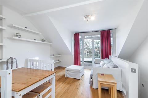 1 bedroom flat - Gratton Road, Brook Green London