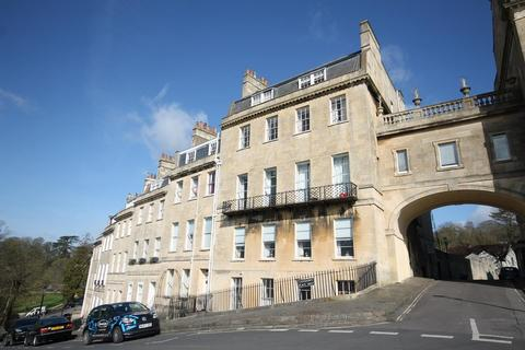 4 bedroom apartment to rent - Lansdown Place West
