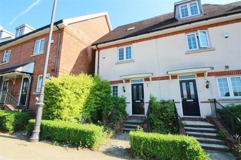 3 bedroom townhouse to rent - Watford Road, Elstree, Borehamwood