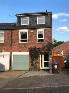 4 bedroom house for sale - Percheron Road, Borehamwood