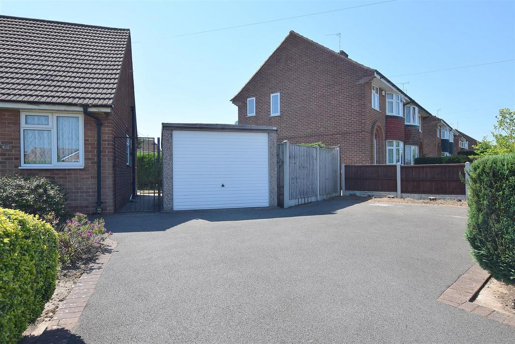 Frontage & Driveway