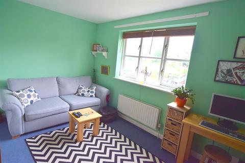 2 bedroom end of terrace house for sale - Gander Green Lane  , Sutton, SM1