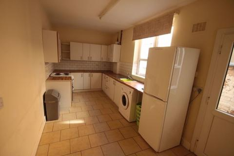 4 bedroom terraced house to rent - Walton Street, West End, Leicester, LE3 0DX