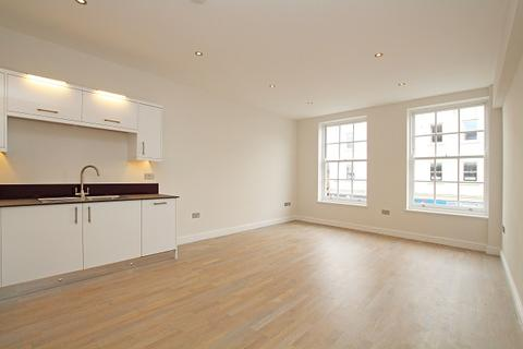 2 bedroom flat for sale - Sadlers House, East Street, Chichester PO19