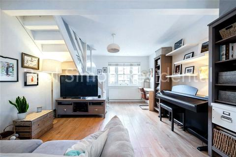 2 bedroom terraced house for sale - Warberry Road, Wood Green, London, N22