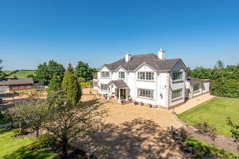 5 bedroom detached house for sale - Tarn Lane, Leeds, LS17
