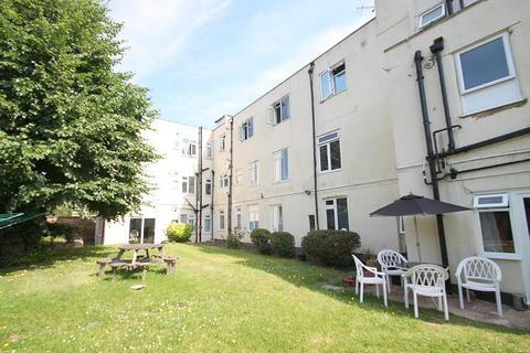 2 bedroom flat for sale - Marley Croft, Moor Lane, Staines-Upon-Thames, TW18