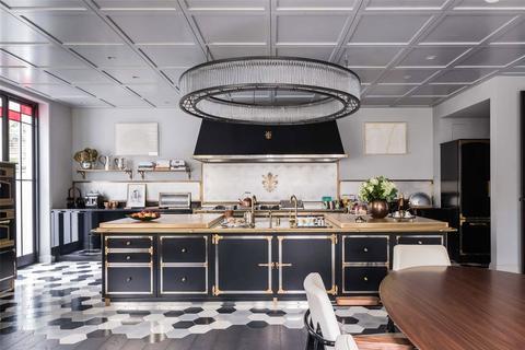 6 bedroom detached house to rent - Gilston Road, Chelsea, London, SW10