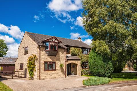 5 bedroom detached house for sale - Manor Garth, Wigginton, York YO32