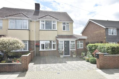 3 bedroom semi-detached house for sale - Main Street, Hanworth, Middlesex, TW13
