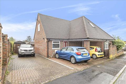 3 bedroom bungalow for sale - The Knowlings, Whitchurch