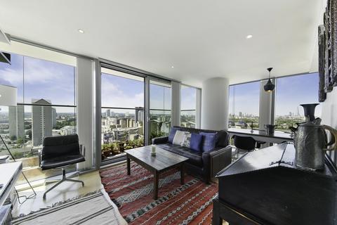 2 bedroom flat for sale - Landmark East Tower, Marsh Wall, London, E14