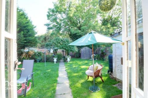 2 bedroom detached bungalow for sale - Holme Close, Oakington
