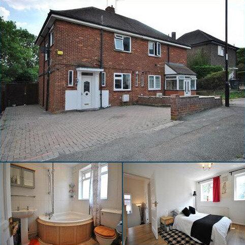 3 bedroom flat to rent - Wydeville Manor Road London SE12