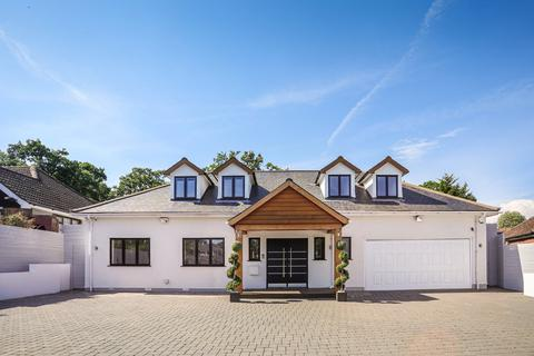 5 bedroom detached house for sale - Bracken Drive, Chigwell, IG7