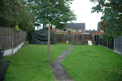2 bedroom semi-detached house to rent - Heddington Close, Leicester LE2