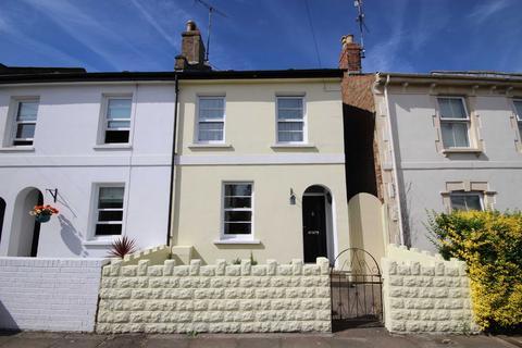 2 bedroom end of terrace house for sale - Moorend Crescent, Leckhampton, Cheltenham, Gloucestershire, GL53