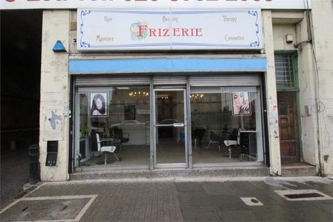 Property to rent - High Street, Edgware, Middlesex