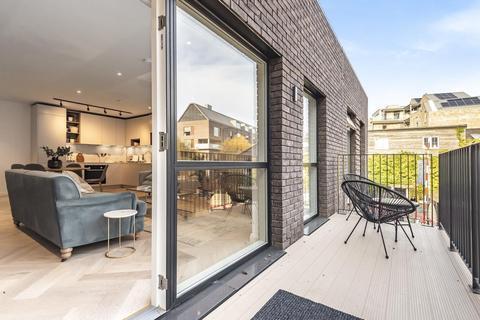 2 bedroom flat for sale - Earlsfield Place, Ravensbury Terrace, Earlsfield